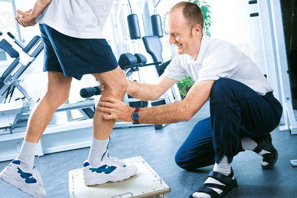 Укрепление мышц стабилизации колена при помощи упражнений