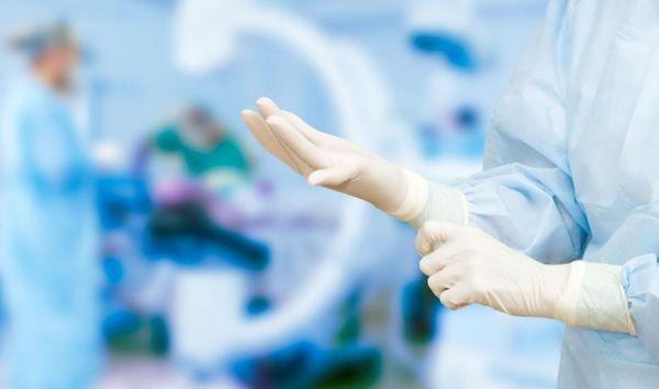 Хирурги в операционной